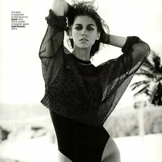 Isabel Benenato métal mesh knitted sweater in L Express Styles magazine. @isabelbenenato #knitwear #metal #sexy