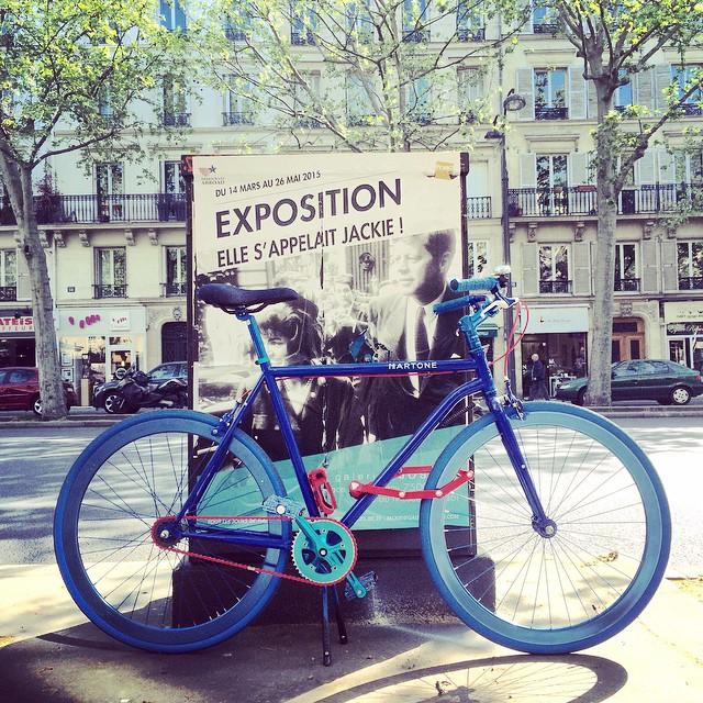 my bicycle s'appelle Chelsea @martonecyclingca #martonecyclingco #bicycles #paris #blue