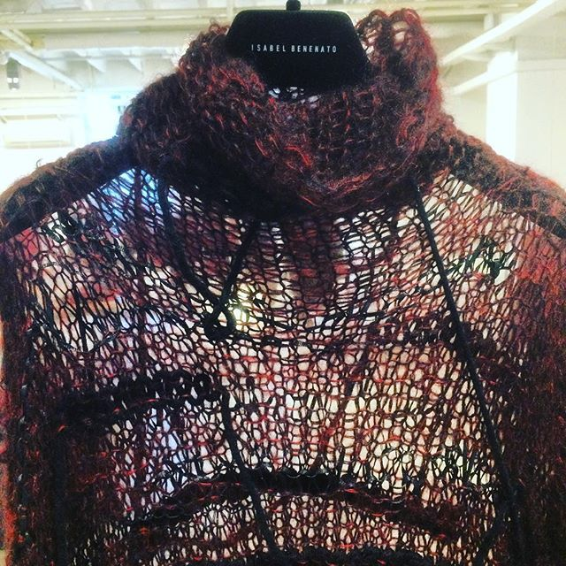 Isabel Benenato Fall Winter 16/17 preview visit at new beautiful space in Milano @isabelbenenato #isabelbenenato #knitwear #artisan #madeinitaly #madeintuscany #publicimagepr #autumwinter2016 #spiderweb