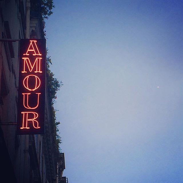 L'amour toujours #amour #paris #love #neighborhood