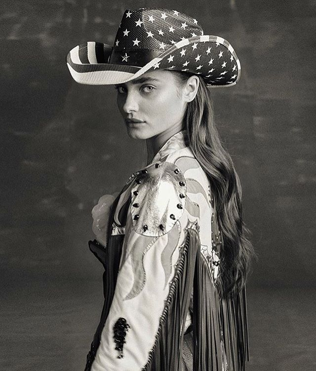 Taylor Hill is wearing a fringed leather jacket and garter belt by @christopheterzian for @vogueportugal photographed by @morellibrothers styling @albamelendo ? @taylor_hill #vogue #vogueportugal #taylorhill #publicimagepr #christopheterzian #leather #cowgirl #topmodel #americana